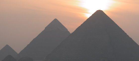Имаме да построяваме пирамида, и то не коя да е, а Великата!