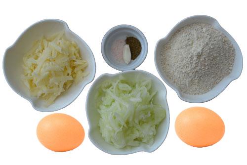 Необходимите продукти за приготвяне на гофрети от тиквички и картофи