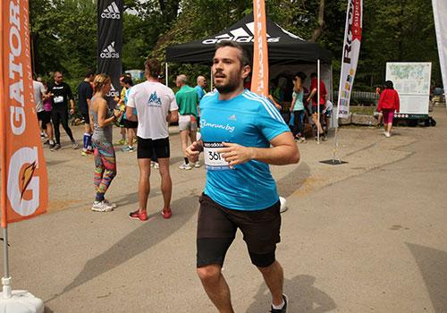 Тичането си е супер, но тренировките с приятели са върхА