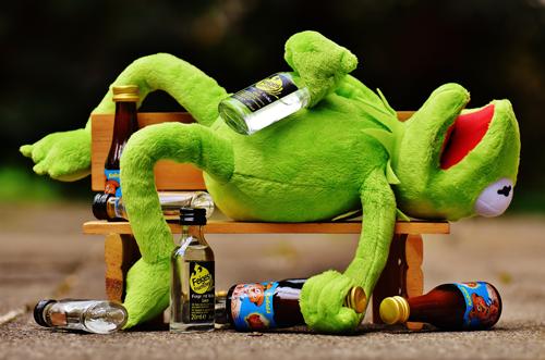 С алкохол се нарязваме, а не се нацепваме! :)